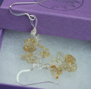 citrine_knitted_earrings_box