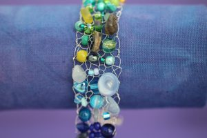 rainbow_beaded_bracelet_bluegreen
