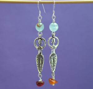 goddess_dvagateandcarnelian_earrings_hanging_scaled