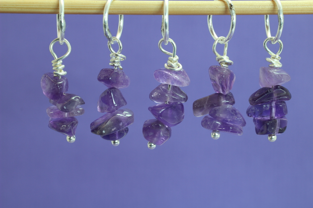 amethyst_set_knitting_hanging_scaled